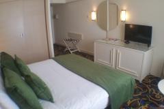 hotel-dbl-bed-room